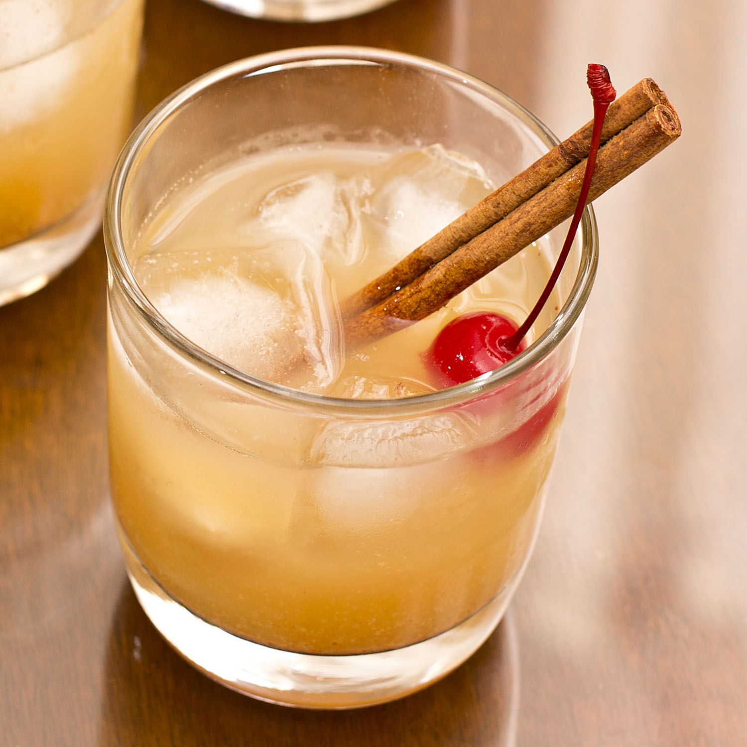 Spiced whiskey sour meanderings abound for Hot tea with whiskey