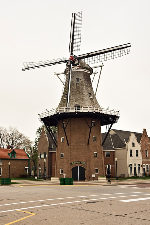 I was able to take some time to look at the other attractions that Pella has to offer, including this gorgeous Vermeer Windmill