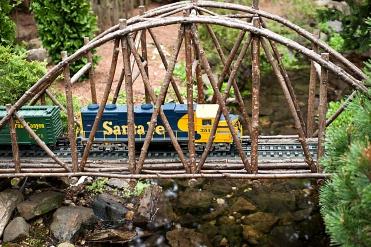 Model Railroad Garden Santa Fe Train