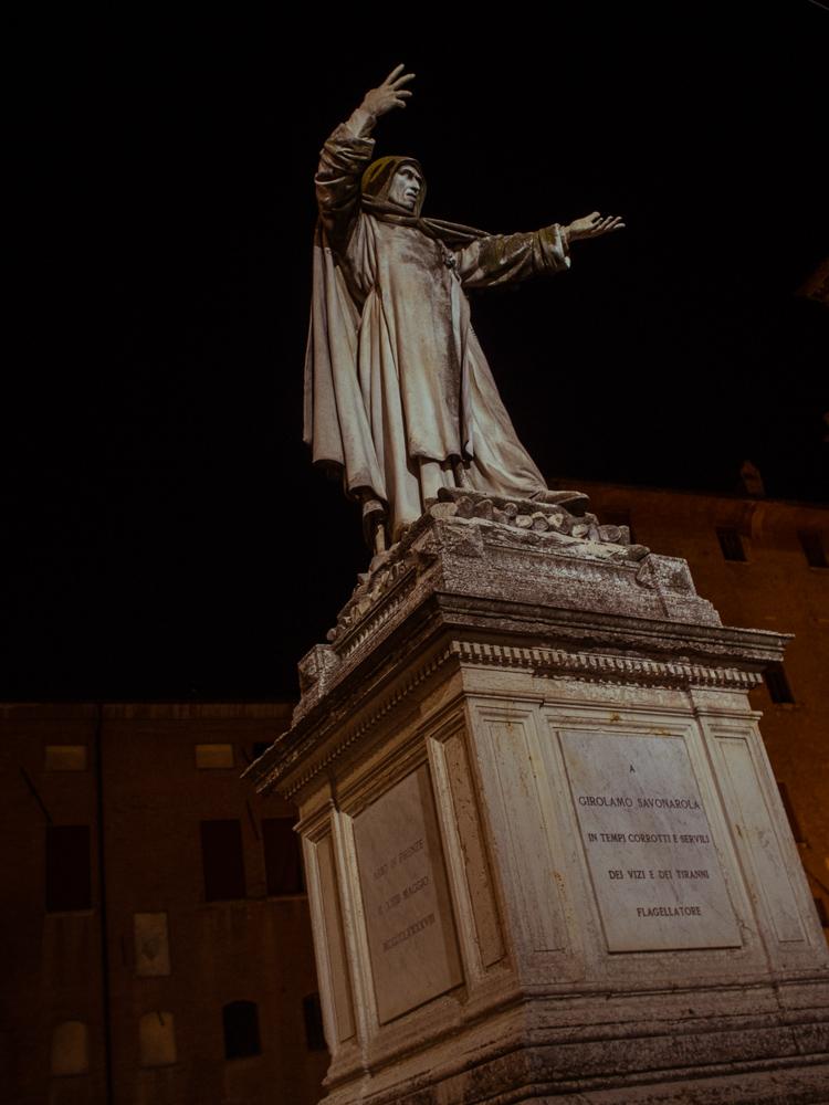 Girolamo Savonarola Statue