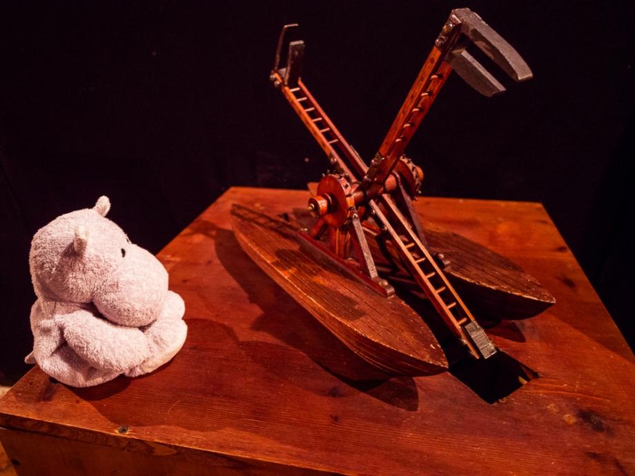 Tiny Hippo and da Vinci Machine